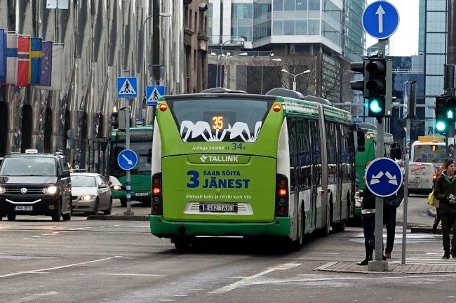 Tallink – bussi tagumine külg