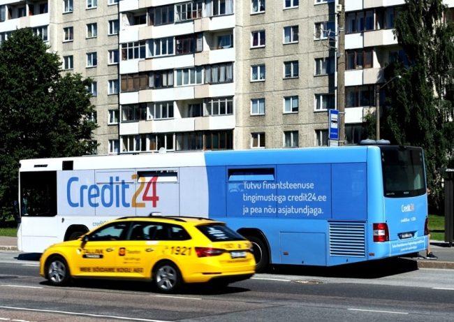 Credit24 – buss üleni reklaamkujunduses