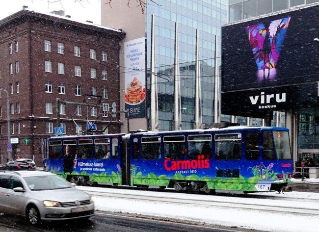 Carmolis – tramm üleni reklaamkujunduses