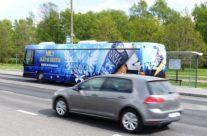 Balbiino – üleni kleebitud buss