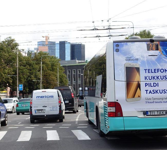 Reklaam bussi taga
