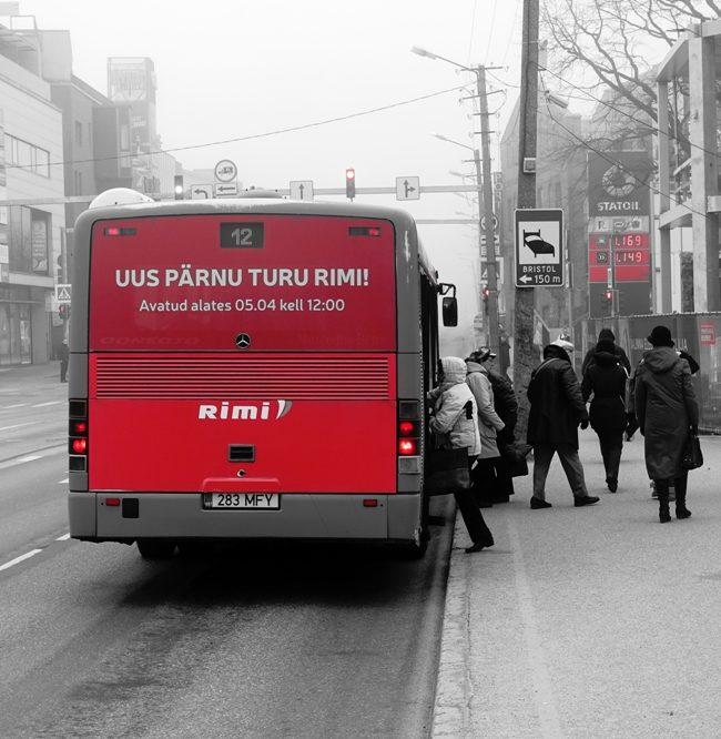 Rimi – reklaam bussi taga