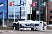 Transformers – üleni kleebitud buss