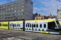AirBaltic – uus CAF tramm üleni reklaamkujunduses
