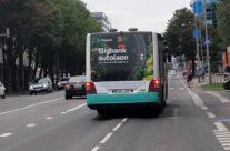 Bigbank – kleebis bussi taga