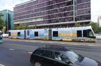 Batumi – trammireklaam, tramm üleni reklaamkujunduses