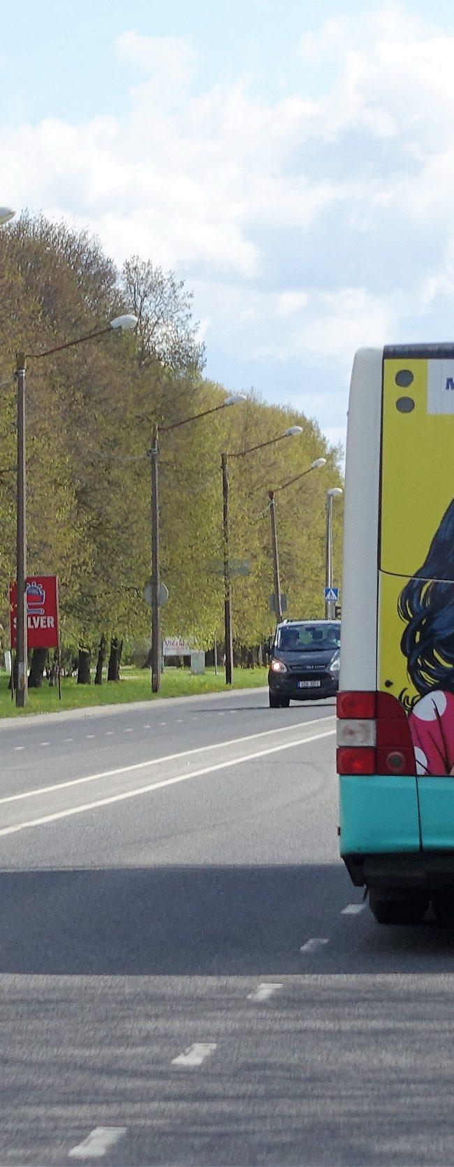 Maxima – bussireklaam, kleebis bussi tagaküljel