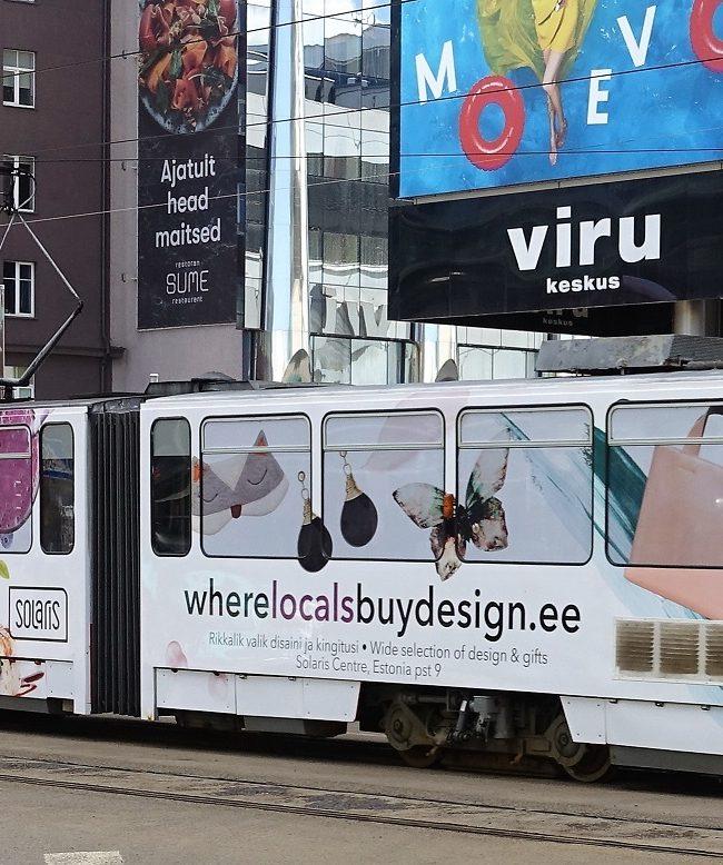 Solarise Keskus – reklaamtramm, tramm üleni reklaamkujunduses