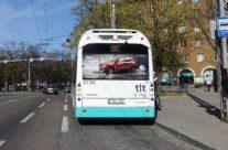 VW T-Cross – reklaam bussi tagaküljel