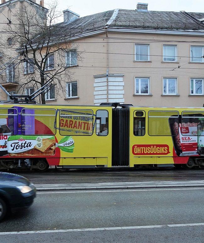 Maxima tramm – reklaam ühistranspordil