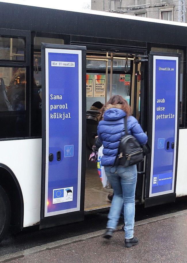 Riigi Infosüsteemi Amet – bussireklaam